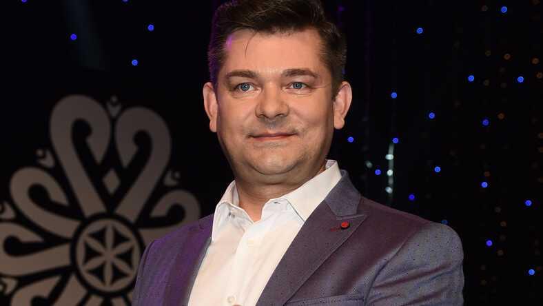 Kolejny wokalista disco polo nie żyje? Zenon Martyniuk ofiarą internetowych kłamstw