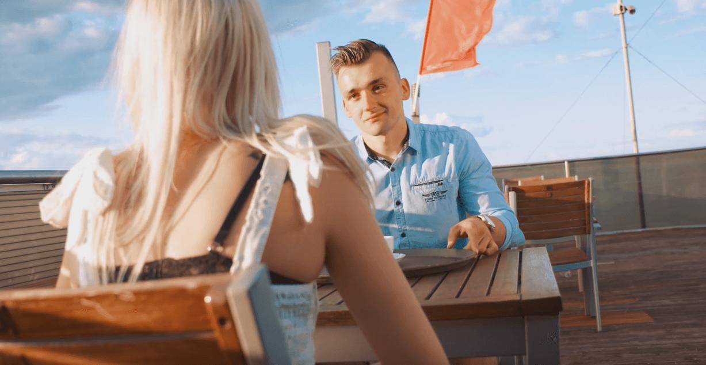 Nowy hit muzyki disco polo! Maestro – Chyba bolą Cię nogi