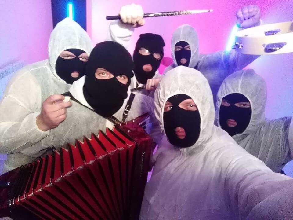 Zamaskowane Chłopaki Rozrabiaki po raz kolejny chcą potrząsnąć sceną disco polo! Znowu narozrabiali