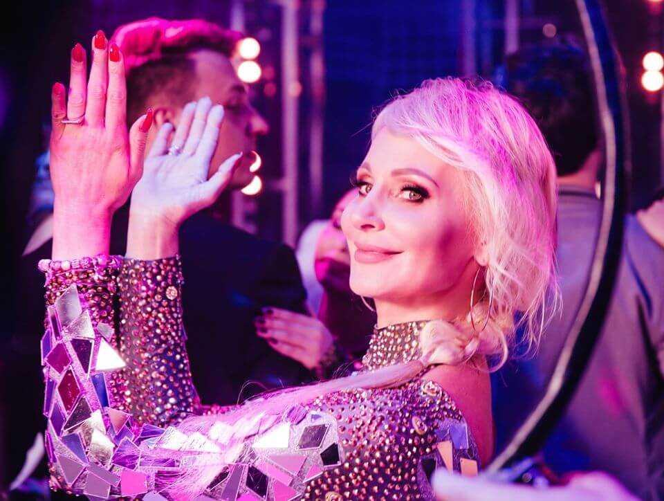 """Uwielbiana wokalistka disco polo dołączyła do akcji """"zostań w domu""""! To było naprawdę dobre (Video)"""