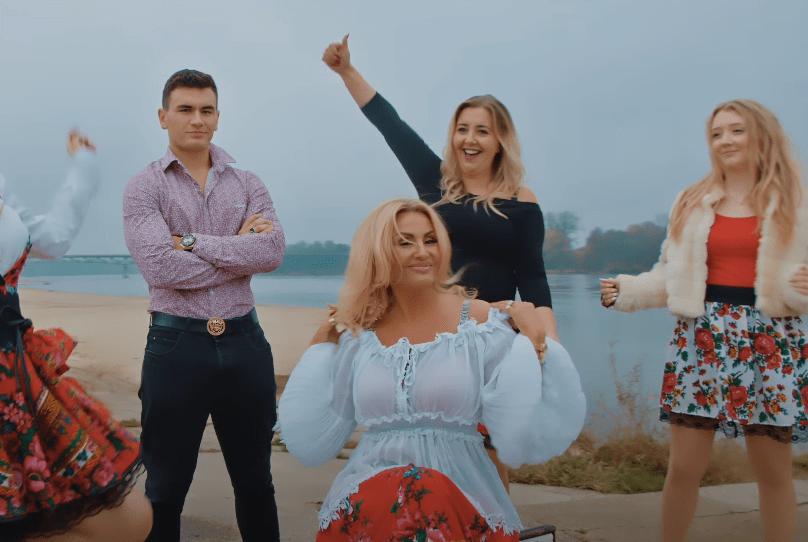 """Królowa Życia – Dagmara w produkcji disco polo! Nowość od grupy BAW SIĘ DOBRZE pt: """"Jagodzianki"""""""